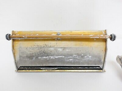 Drywall Equipment- Finishing Box and Handle 10/L9666A