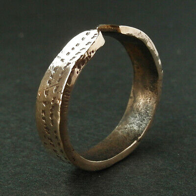 Genuine ancient Viking Æ ring found in Ireland - Wearable