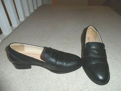 Clarks New Women's Size Uk 6 6D / Eu 39.5 Black Leather Loafers Slip-On Shoes Bn