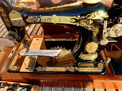 1930 Beautiful Singer 28K Hand Crank Sewing Machine, Serviced & Great Condition