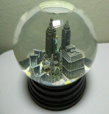"Vintage & Retired Saks Fifth Avenue Musical Snow Globe of NYC - plays ""NY NY"""