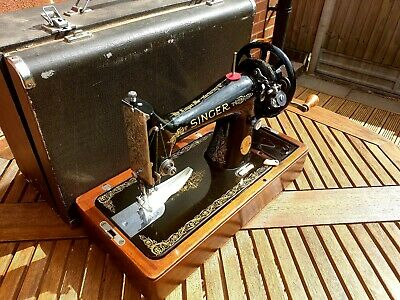 1950 BEAUTIFUL SINGER 99K HAND CRANK SEWING MACHINE,  serviced!