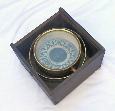Dry card gimballed compass in case – Lilley & Reynolds Ltd., London.