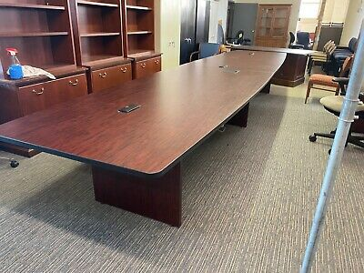 CONFERENCE TABLE in MAHOGANY COLOR LAMINATE 18ft L