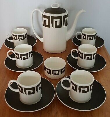 A 1970s Wedgewood Coffee Set Designed by Susie Cooper in Green Keystone Pattern.