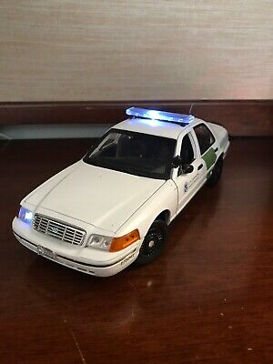 1:18 Diecast Police Car Border Patrol With Working Lights And Sirens