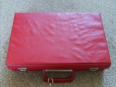 Red Audio Cassette Tape Storage Box Carry Case For 32 Tapes Retro 80'S