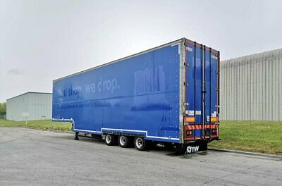 lawrence david Double deck box van with internal tail lifts
