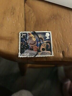 Great Britain 2010 Wallace and Gromit Christmas 2nd Class stamp Large used piece