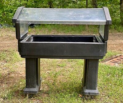 Cambro 4 ' Food/Salad Bar with Castros and Sneeze Guard