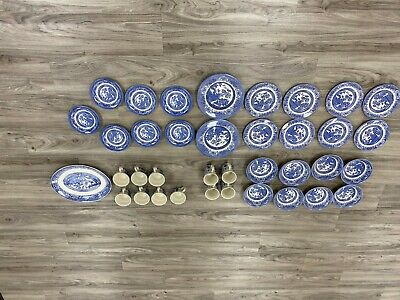 Antique set of 31 Pieces FLOW BLUE Willow China Porcelain Dinner & Tea Dishes