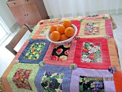 Marianne of Maui FINE DINING TABLE QUILT