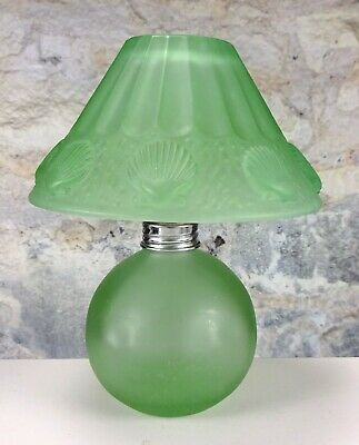 Vintage Lefton Green Glass Tea Light Candle Holder/Oil Lamp w/Seashell Design