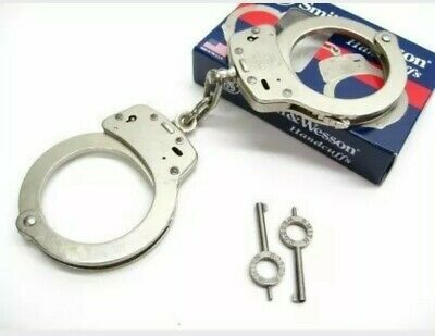 Smith & Wesson 350103 Nickel Chain Link  Police Handcuffs & Keys. Double lock