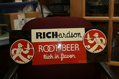 "Vintage 1940'S  Richardson Rootbeer ""Rich In Flavor"" Tin Sign In Excellent"