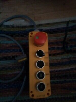 Lift control buttons for controler