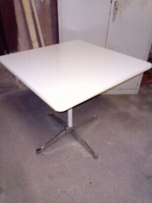 Herman Miller Vintage  Eames Square Table Contract Base 700 mm -> Versand 0€ <-