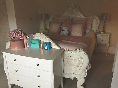 French Style Chateau Wooden 5 Foot Bed