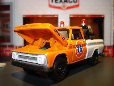 1965 Chevrolet C-10 Tow Truck Limited Edition 1/64 Union 76 Gasoline Racing Fuel