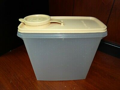 Tupperware Vintage Cereal Keeper Storage Container Small #469 Sheer W/ Tan lid