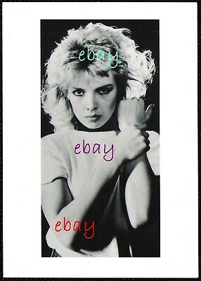 NEW KIM WILDE GREATEST HITS TOUR 2020 PROMO POSTCARD with PRE-PRINTED AUTOGRAPH