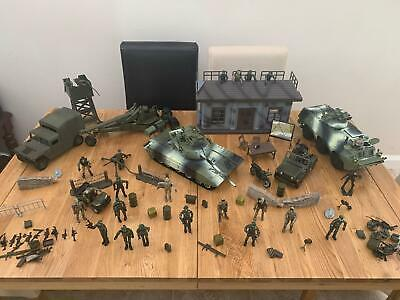 Years World Peacekeepers Military Amphibian Army Vehicle toy with 2 figures 3