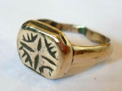 Detector Find & Polished,800-1000 A.d Byzantine Bronze Ring With Cross Motif