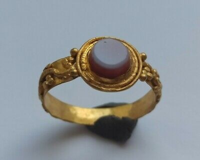 Rare Ancient Roman High Carat Tested Gold Ring With Two-Layered Agate 200-300 Ad