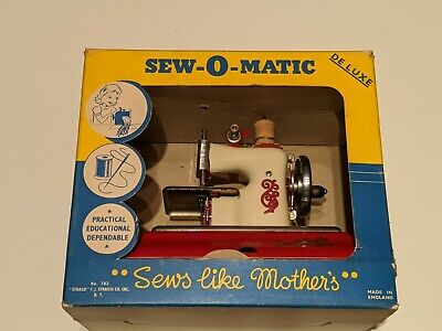 Vintage Sew-O-Matic Toy Sewing Machine Straco Hand Cranked Works w/ Box