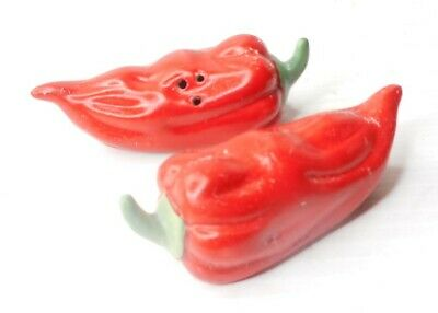 Hot Chili Peppers Ceramic Magnetic Salt /& Pepper Shakers Red Green 8161 NEW