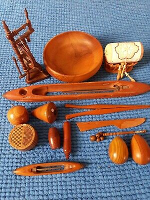 Collection of 14 items of English 19th-20th century woodenware/treen