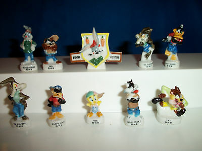 LOONEY TUNES URBAN SPORTS Gangster French Porcelain BUGS BUNNY 10 Figures FEVES