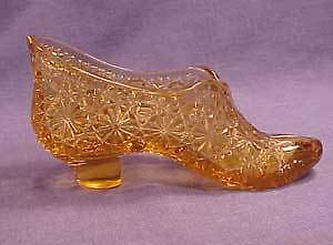 Amber  Pattern Glass Daisy and Button Slipper Novelty