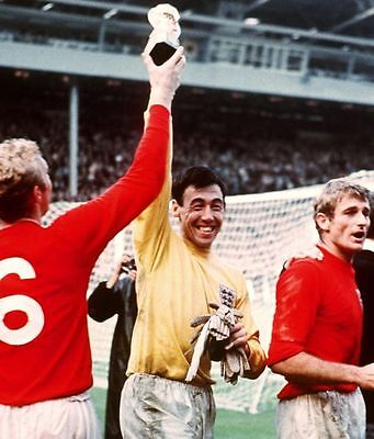 Gordon Banks England 1966 World 10x8 Photo
