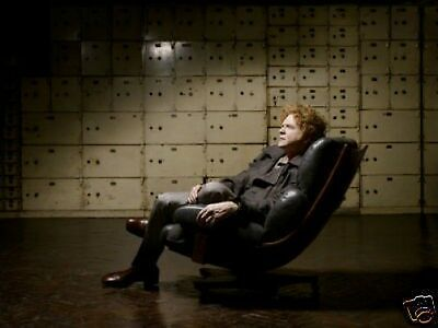 Simply Red Mick Hucknall 10x8 Photo Chair