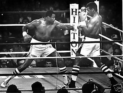 Larry Holmes Michael Spinks Fight Action 10x8 Photo