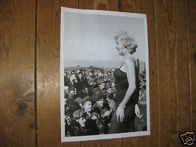 Marilyn Monroe with US Troops #2 Awsome New POSTER