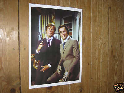 The Persuaders Roger Moore Tony Curtis POSTER Gun