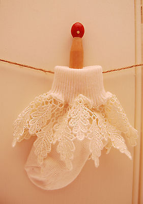 Baby girls lace frilly sock BNWT Ideal for christenings