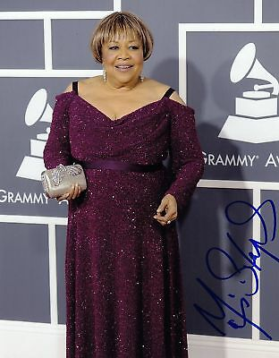 Mavis Staples Signed 8x10 Photo W/COA Proof Grammy E