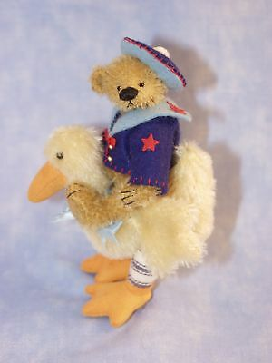 """Deb Canham  """"taffy And Titch""""  Bear And Duck Set"""