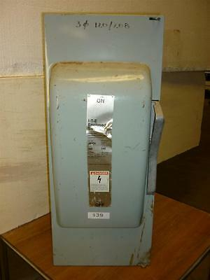 I-T-E Siemens Enclosed Switch 200A 240VAC/250VDC 3 Phase 2 Poles Cat # JN-424 Ty