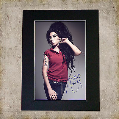 AMY WINEHOUSE Signed Mounted Autograph Photo Print (A5)