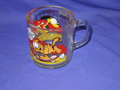 Vintage Garfield Cat & Odie Skateboard Glass Promo Mug/Cup McDonalds c1980s