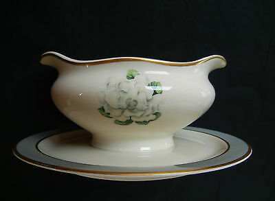 Syracuse Avalon Gravy Boat With Attached Plate