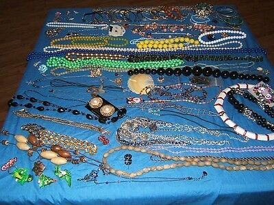 MIXED LOT of 96 Vintage & New Costume Jewelry Pieces 5 POUNDS Necklace earrings
