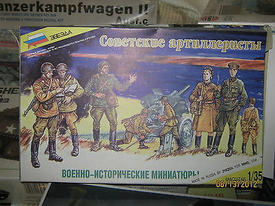 ZVEZDA Military Miniatures WWII Russian Troops-1/35 Scale-FREE SHIP