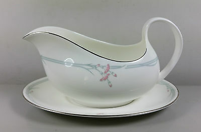 Royal Doulton Carnation H5084 Gravy / Sauce Boat And Stand (Perfect)