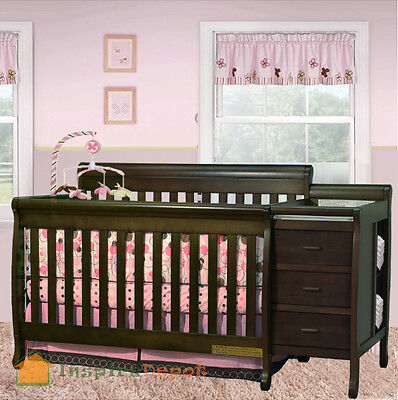 Multi-Function Espresso Solid Wooden Baby Crib Combo Dresser Changing Table Pad