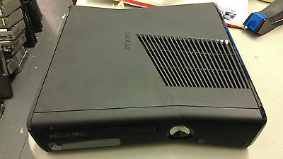 Microsoft Xbox 360 Slim (Latest Model) Black Console! BROKEN!  NOT WORKING!